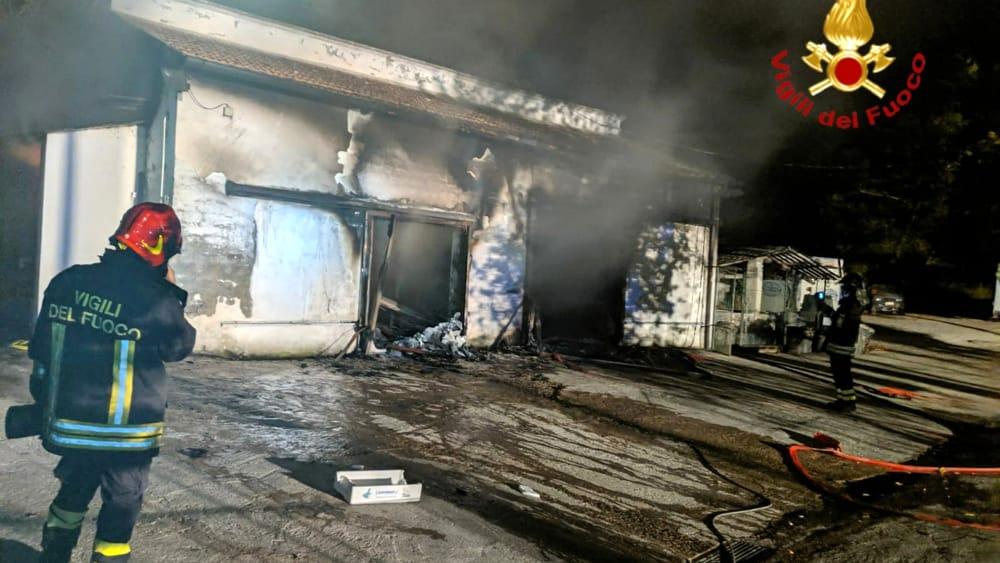 incendio azienda ittica baschi (1)-2