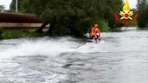 moto d'acqua vigili del fuoco terni-2