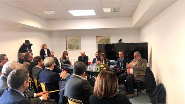 Tesei a Terni: valorizzare il collegamento veloce con Roma, è già nella nostra agenda