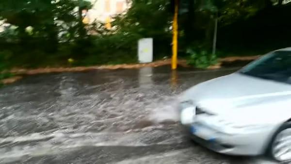 Bomba d'acqua su Terni, allagamenti in tutta la città