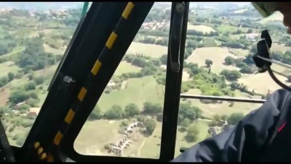 """Gli """"angeli"""" della storia: gli elicotteristi dei carabinieri in volo sopra i patrimoni archeologici del Ternano"""