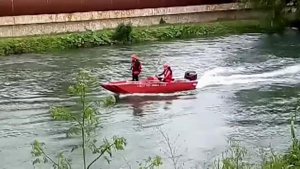 Donna scomparsa, il video delle ricerche nel fiume Nera