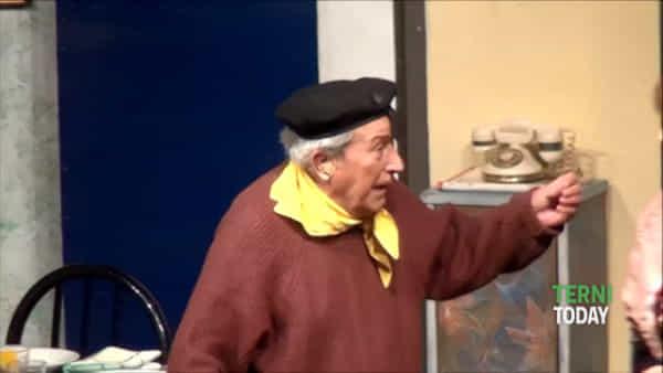 Applausi a scena aperta, su il sipario per Lu Paciarellu de Boccaporcu