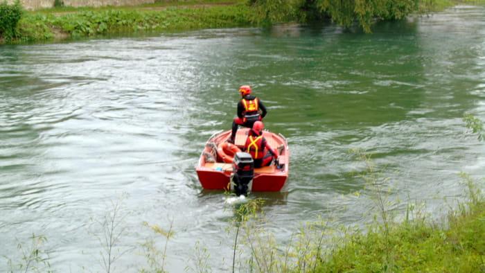 vigili del fuoco fiume